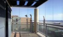 Всі особливості скління балконів